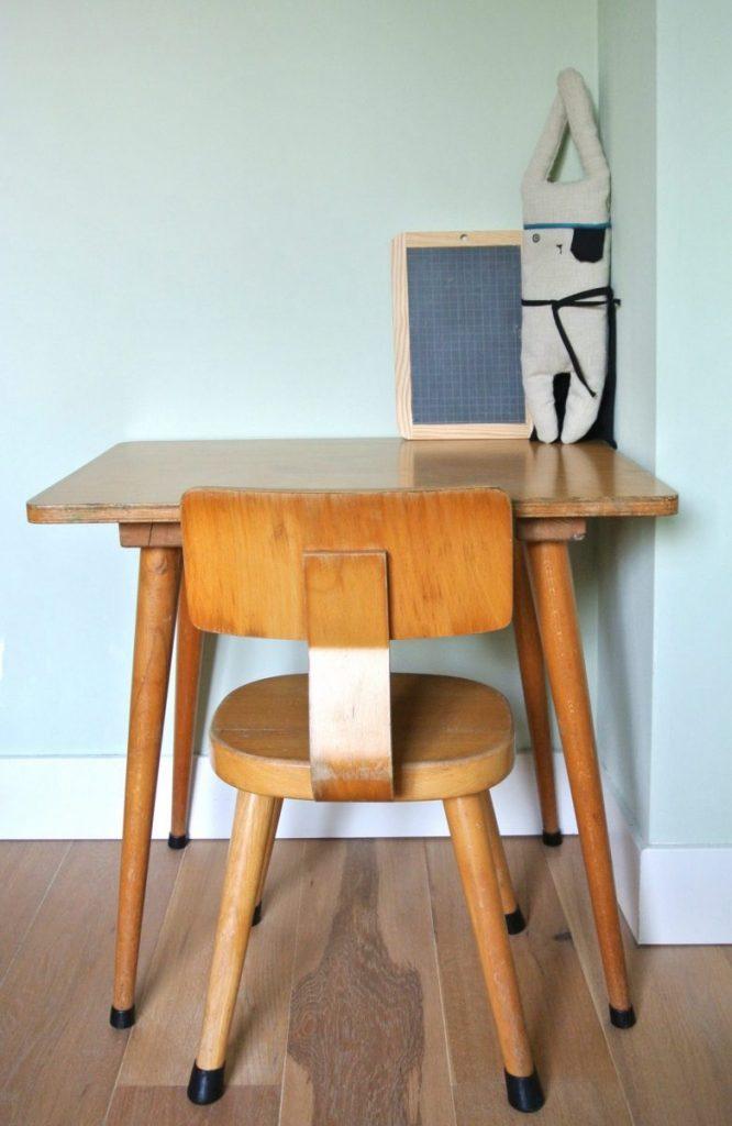 vintage schooltafeltje en stoeltje te koop: 59 euro