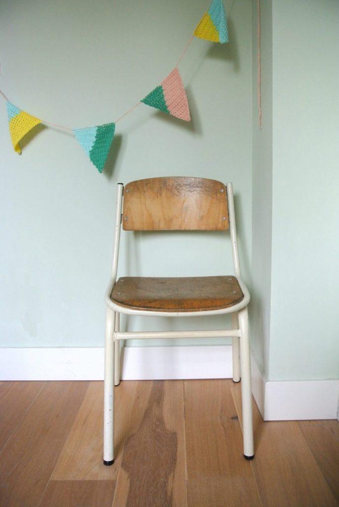 3 houten vintage stoeltjes te koop: 25 euro per stuk
