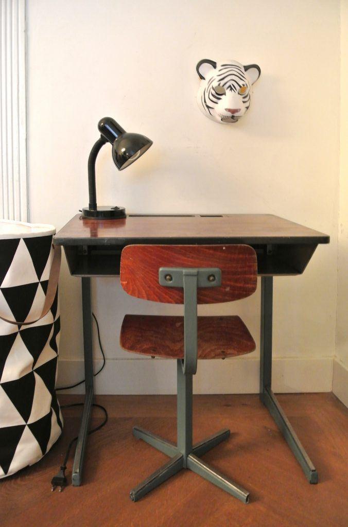 vintage kinderbureau te koop: 60 euro: haskesommers@gmail.com
