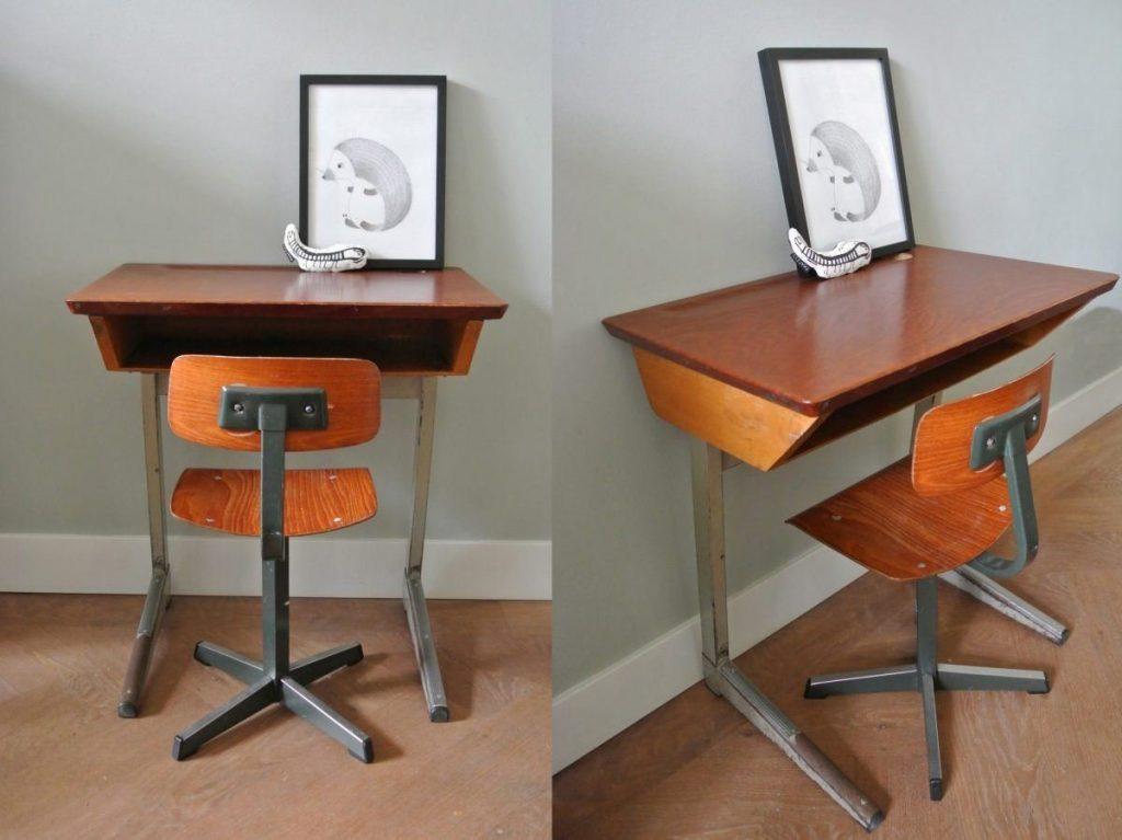 Industrieel schoolbureautje met stoeltje te koop: 55 euro | interesse? haskesommers@gmail.com | op te halen in Amsterdam