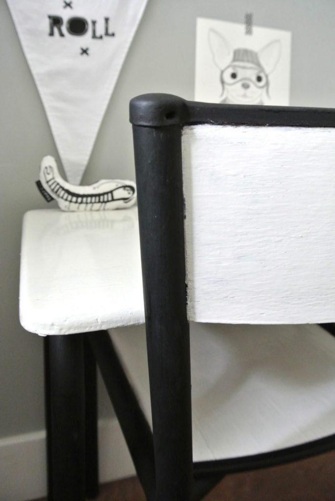 oud Frans bureautje met bijbehorend stoeltje | 59 euro | interesse? haskesommers@gmail.com | op te halen in Amsterdam
