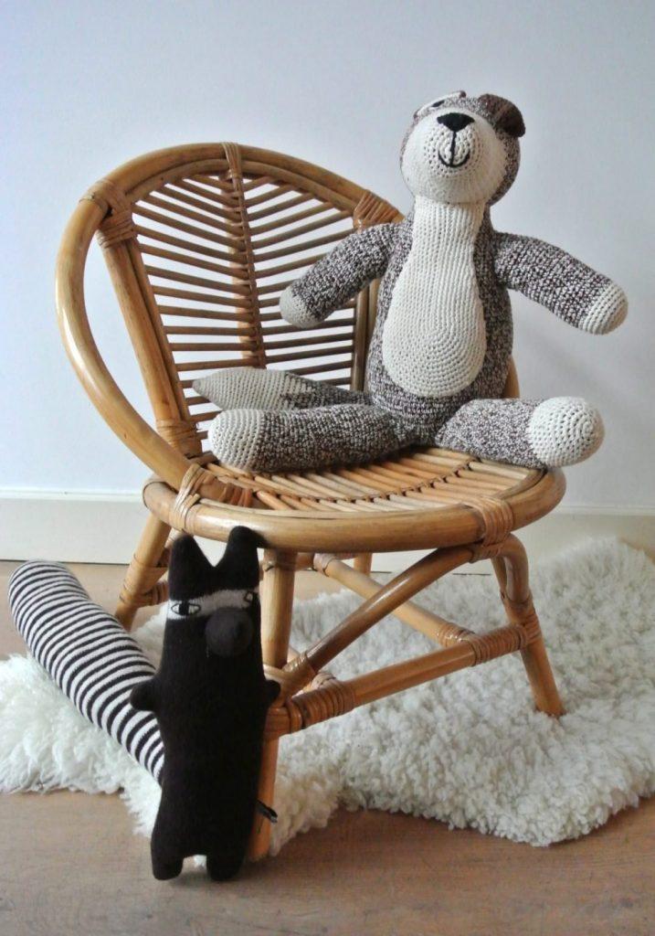 vintage rotan stoeltje te koop: interesse? 39 euro. mail: haskesommers@gmail.com | op te halen in Amsterdam
