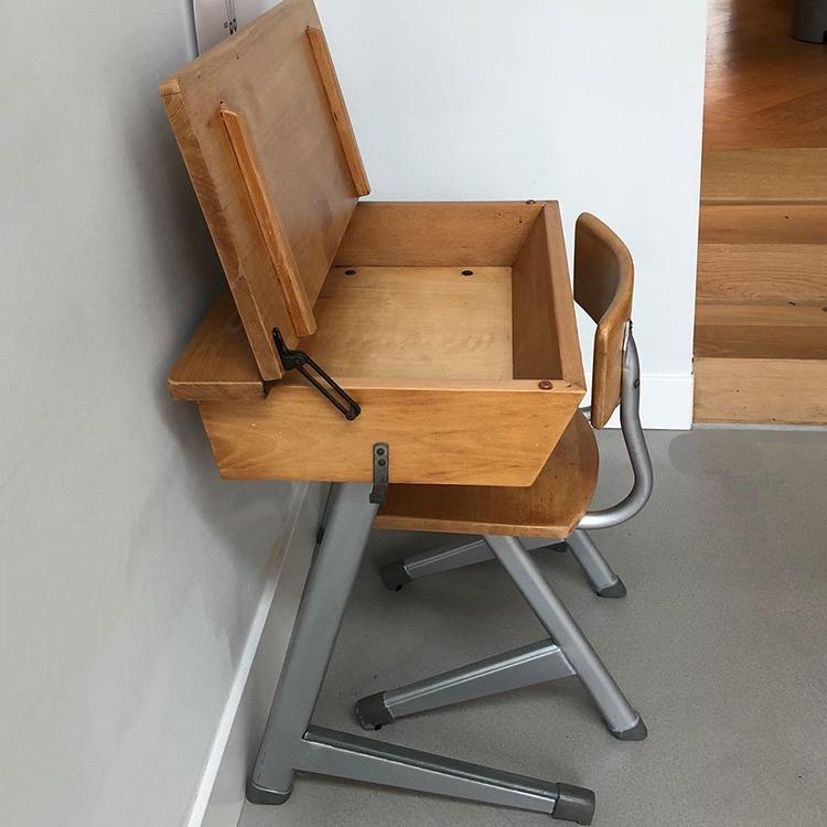 klepbureautje met stoel